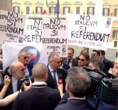 Manifestazione NO ITALICUM, SI REFERENDUM – TG2 6 maggio 2015