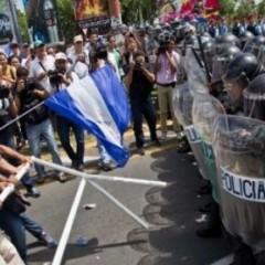 Nicaragua a ferro e fuoco